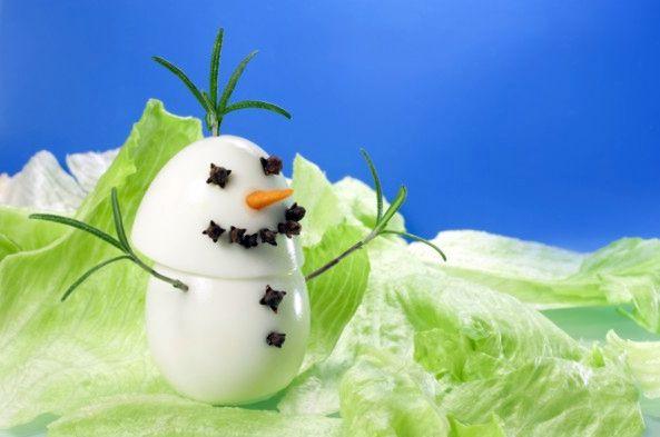 Снеговичок из яиц