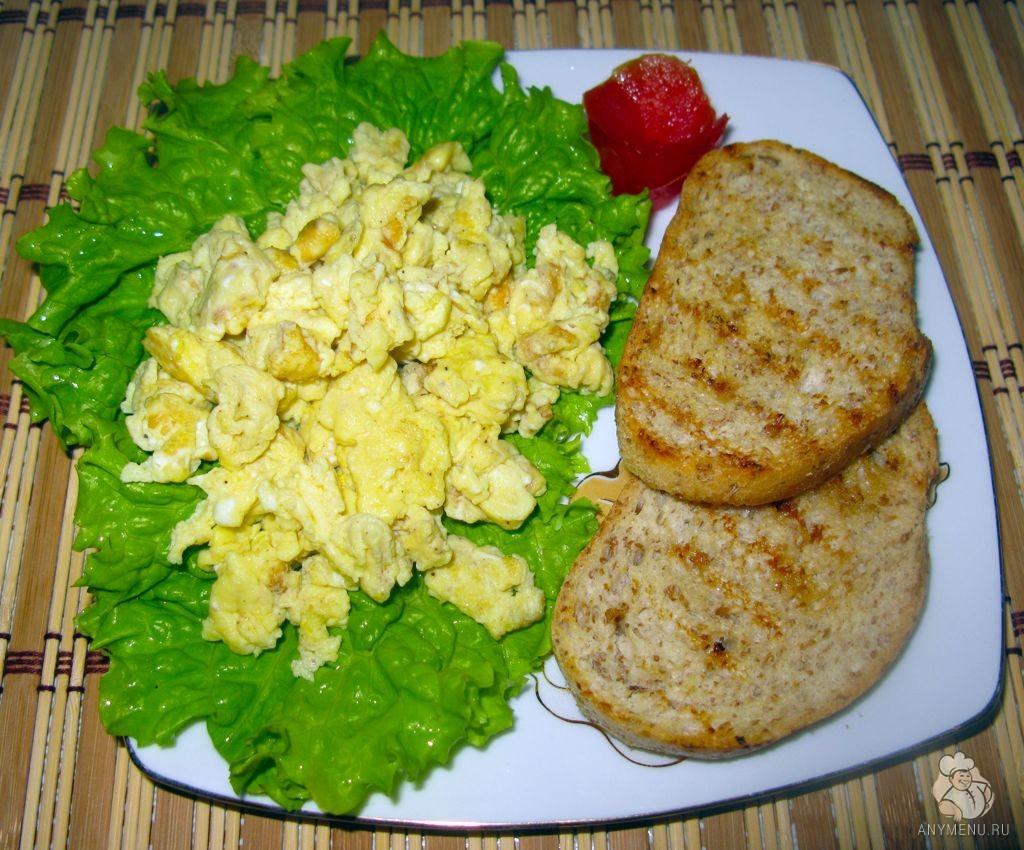 Яйца-скрэмбл на завтрак (1)